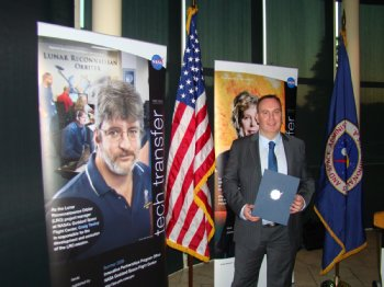 University of Ulster lecturer Roy Sterritt, after receiving a NASA Patent Application Award and a Patent plaque at the NASA Goddard Space Flight Center's New Technology Report Program ceremony in Mitchellville, Maryland.